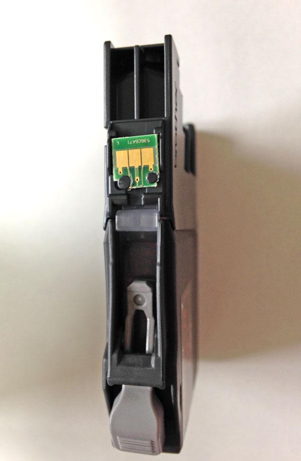 ブラザー純正LC211カートリッジICチップ移植前