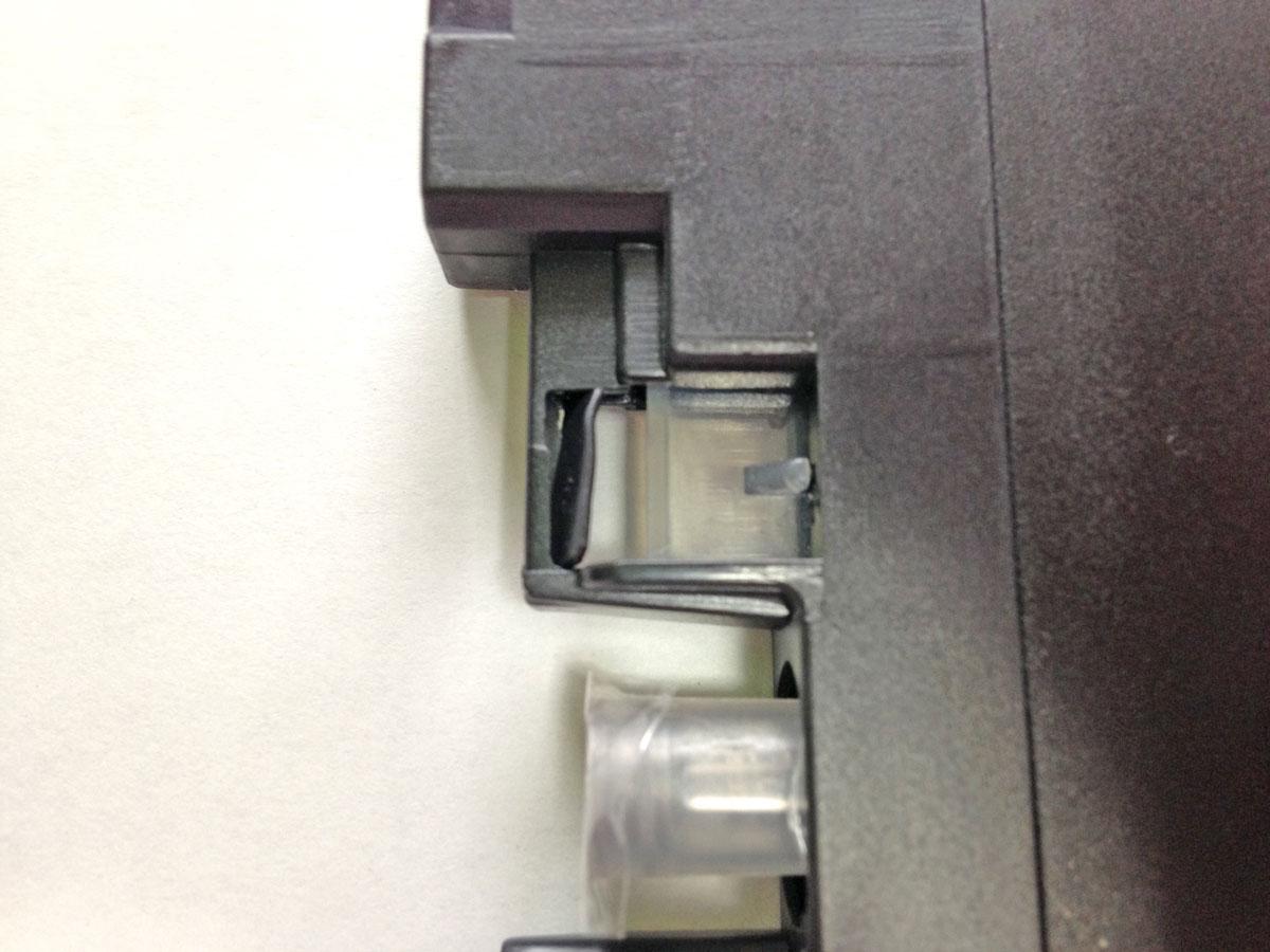 LC211カートリッジセンサー窓保護プラスチック折り曲げる